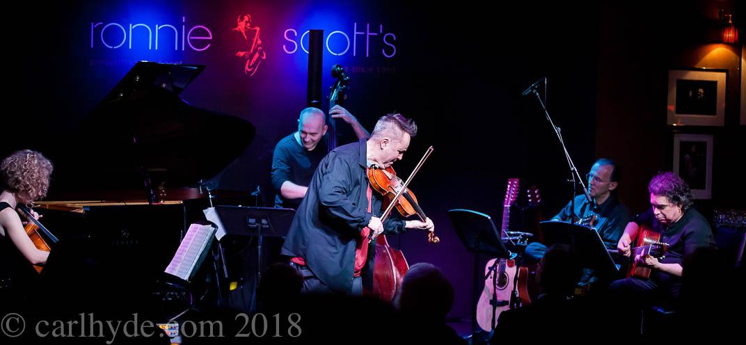 Nigel-Kennedy-by-CarlHyde-Ronnie-Scotts-JazzInEurope