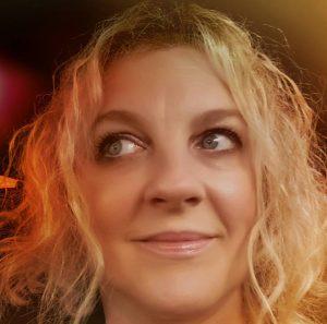 Wendy-Kirkland-selfie-300x297.jpg